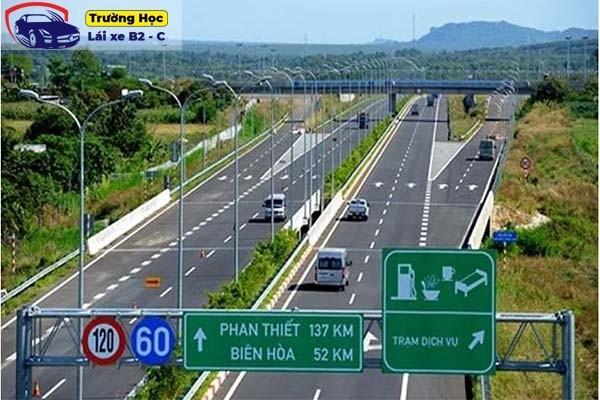 Bộ câu hỏi và đáp án luật giao thông đường bộ mới nhất