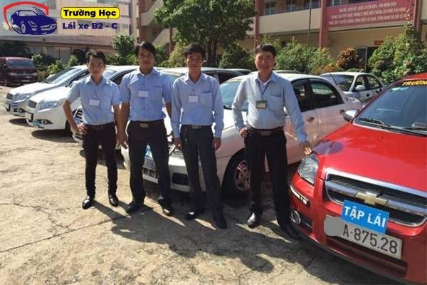 Địa chỉ học bằng lái xe ô tô ở Thủ Dầu Một 99% bao đậu