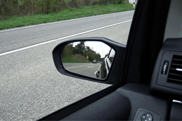 Hướng dẫn cách chỉnh gương chiếu hậu ô tô tránh điểm mù chết người