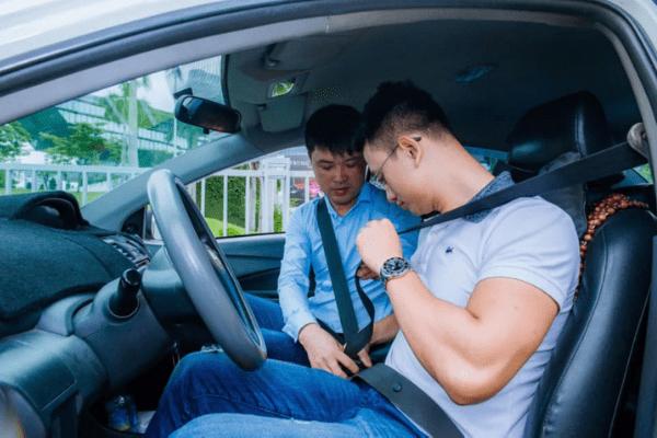 Hướng dẫn kinh nghiệm thuê xe tập lái cho người mới tập lái