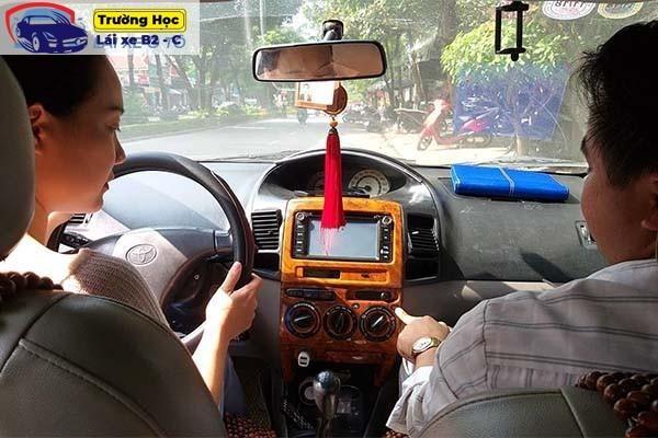 Hướng dẫn thi bằng lái xe B2 lý thuyết và thực hành