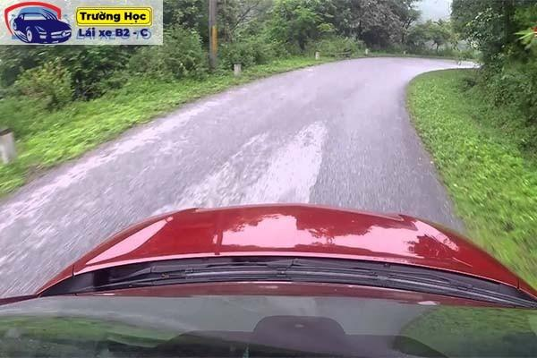 Bỏ túi 5 kinh nghiệm lái xe tải leo núi an toàn